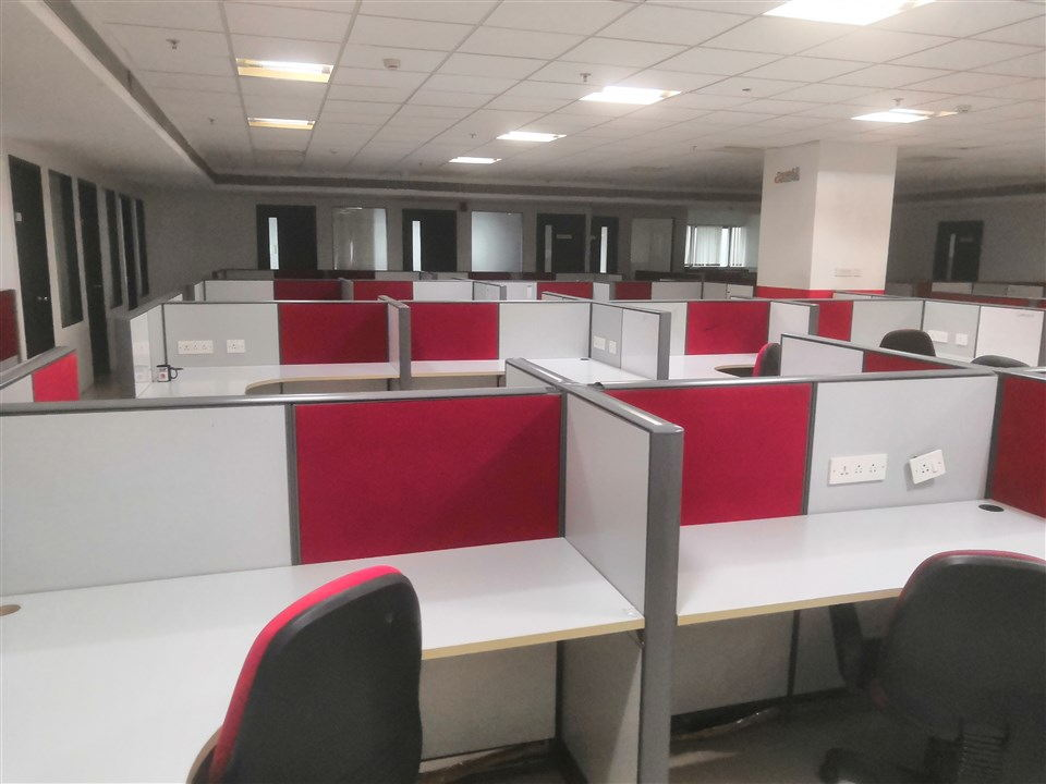 FURNISHED OFFICE IN OMR (2)