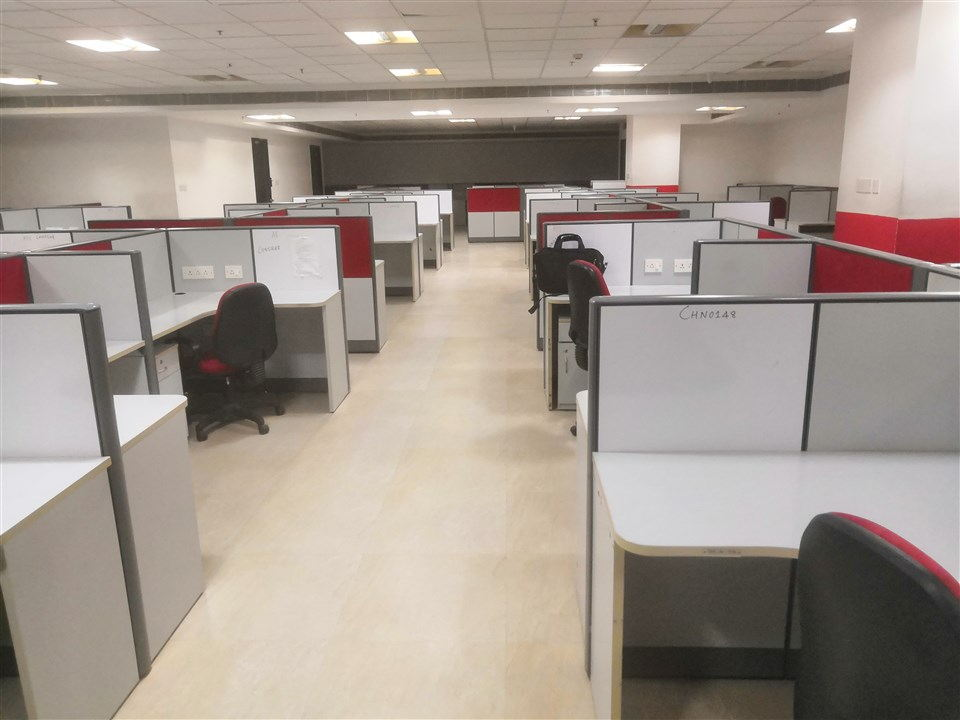 FURNISHED OFFICE IN OMR (3)