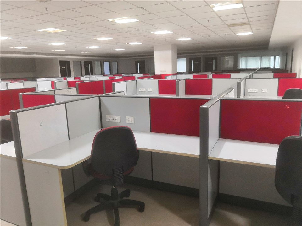 FURNISHED OFFICE IN OMR (9)