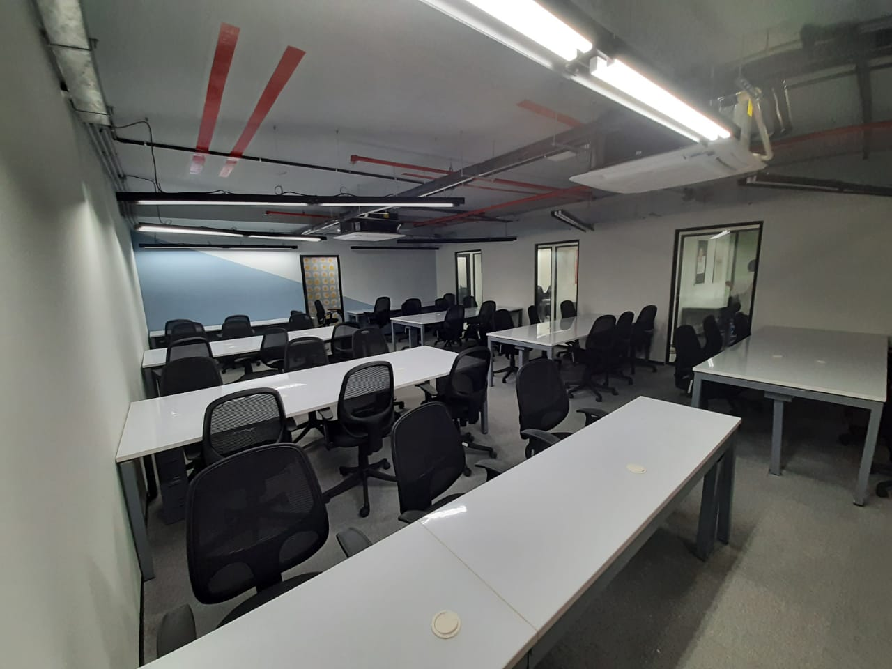 Furnished office rent in OMR Chennai (23).jpeg