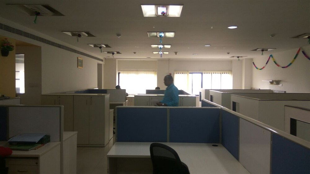 Office for rent in spencer plaza chennai (6)
